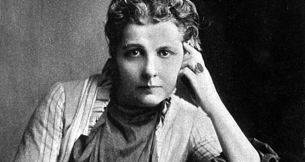 Annie Besant photo